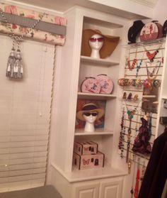 Closet accessories slat board