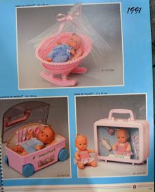 Compartilho com vocês a Coleção Os Chuquinhas que marcou presença anos 80 e 90:     minis catálogos que acompanhavam as bonecas bebês ...