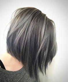 Medium Shaggy Silver Shaded Hairstyles 2018 for Girls