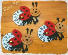 Disco orario coccinelle in carta eva, crepla, fommy Diy Projects To Try, Crochet Baby, Wedding Favors, Alice, Easter, Scrapbook, Christmas Ornaments, Holiday Decor, Kids