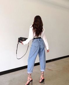 Look Kylie Jenner, Stylish Outfits, Fashion Outfits, Mode Grunge, Mom Jeans Outfit, Vetement Fashion, Mode Chic, Aesthetic Clothes, Love Fashion