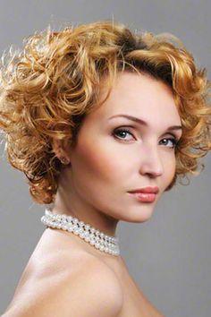 short curly hair hairstyles