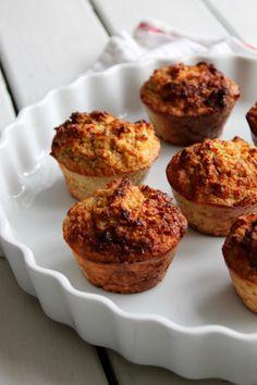 Sunde gulerodsmuffins - den perfekte eftermiddagssnack - The Food Lover Healthy Snacks, Breakfast, Recipes, Velvet, Health Snacks, Morning Coffee, Healthy Snack Foods, Ripped Recipes
