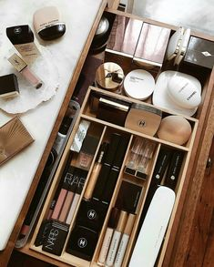 Happiness is a perfectly organized makeup drawer ? Happiness is a perfectly orga Happiness is a perfectly organized makeup drawer ? Happiness is a perfectly organized makeup drawer ? Make Up Organizer, Make Up Storage, Makeup Storage Organization, Bathroom Organization, Storage Ideas, Organization Ideas, Bathroom Makeup Storage, Bathroom Ideas, Makeup Storage Drawers