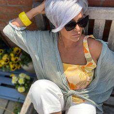 simpson.house Short Hair Cuts For Women, Short Hair Styles, Over 60 Fashion, At Last, Hello Sunshine, Grey Hair, Hair Beauty, Zara, Instagram
