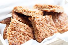 This Ultimate Flapjack Recipe is pure indulgent and will always leave you wanting more. Oats Recipes, Sweet Recipes, Dessert Recipes, Cooking Recipes, Desserts, Flapjack Recipe, Good Food, Yummy Food, Sweet Bar