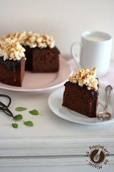 Bundt cake de Nutella, plátano y palomitas
