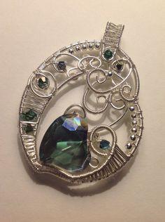 Hearts and Love pendant - by Arte Laboratae.