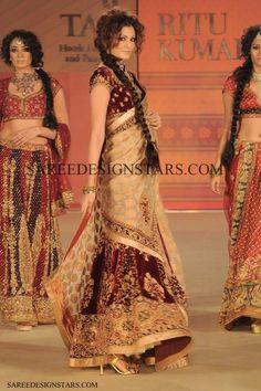 Designer Ritu Kumar saree collections at Ritu Kumar Show Indian Bridal Couture, Indian Bridal Lehenga, Indian Bridal Wear, Ritu Kumar, Couture Mode, Couture Fashion, Indian Dresses, Indian Outfits, Desi Clothes