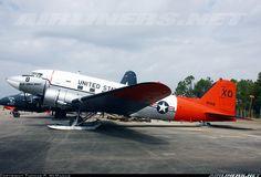 Douglas R4D-5L Skytrain (DC-3) aircraft picture