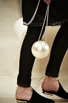 Chanel Resort 2015 Accessories Collection pearl bag !!!!