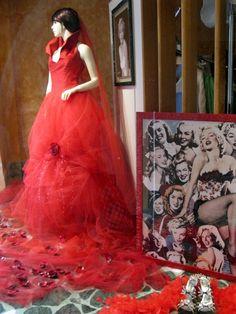 Red Dress & Marilyn - store window Siena, Italy
