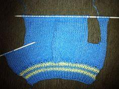 Koisas da Kaká: PAP - Roupinha para cachorro Knitted Dog Sweater Pattern, Dog Coat Pattern, Knit Dog Sweater, Cat Sweaters, Knitted Hats, Diy Dog Collar, Knit Baby Booties, Dog Clothes Patterns, Dog Jacket