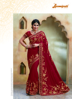 deep maroon georgette saree with blouse.Add a young burst of shade inside your wardrobe with this Maroon Georgette Saree. The ethnic Lace & Butta Work work at the clothing adds a sign of attractiveness statement with your look. Bollywood Sarees Online, Indian Sarees Online, Bollywood Fashion, Bollywood Style, Lehenga Saree, Net Saree, Georgette Sarees, Laxmipati Sarees, Anarkali