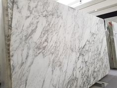 Arabescato marble white quality slab in stock Arabescato Marble, Hardwood Floors, Flooring, Carrara, White Marble, Tuscany, Natural Stones, Facade, Exterior