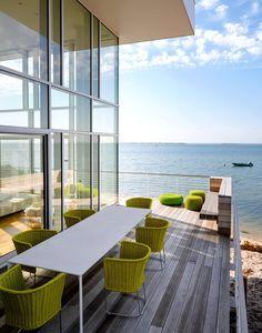 Fire Island House by Richard Meier Richard Meier, Home Design, Deck Design, Floor Design, Design Ideas, Indoor Outdoor, Outdoor Spaces, Outdoor Living, Outdoor Decor