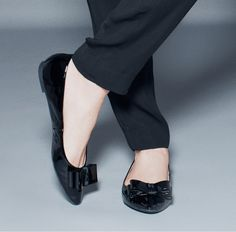Hillary -Charm for your feet.