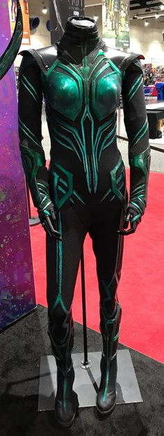 Photo credit: Food and Cosplay Comic Con Costumes, Villain Costumes, Cosplay Costumes, Halloween Costumes, Thor Ragnarok Hela, Hela Thor, Thor Cosplay, Superhero Cosplay, Thor Ragnarok Costume