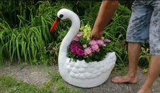 Diy Cement Planters, Cement Flower Pots, Garden Crafts, Garden Projects, Garden Art, Concrete Crafts, Concrete Garden, Diy Crafts For Home Decor, Rock Garden Design