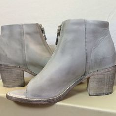 Diesel white washed ankle boots Chelsea Show Cox open toe ankle booties. White washed leather with a zip front. Diesel Shoes Ankle Boots & Booties