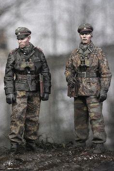 Military Camouflage, Military Art, Monster Sketch, Military Action Figures, Camouflage Patterns, German Uniforms, Model Tanks, Military Modelling, German Army