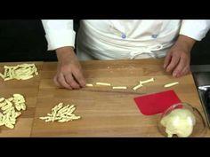 Pasta Dough, 3 Ways Cookies Branding, Homemade Playdough, Homemade Pasta, Ravioli, Fusilli, Gnocchi, Pasta Recipes, Free Food, Cooking