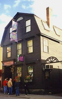Salem's oldest Witch shop, Crow Haven Corner. The Salem Witch Walk review on TA