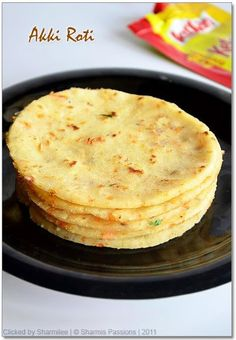 Akki Roti or Masala Rice Roti is a famous karnataka dish which can be served as a snack or for dinner. It is sure a better alternative to th. Breakfast Recipes, Snack Recipes, Cooking Recipes, Free Recipes, Breakfast Items, Sweets Recipes, Desserts, Indian Snacks, Indian Food Recipes
