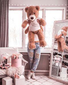🌺 u are beautiful 🌺 on We Heart It Big Teddy, Teddy Bear, Bag Closet, Love Bear, Insta Models, Art Drawings Sketches, Cute Bears, Girly Things, Plush