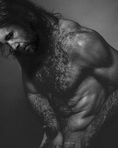 Definitely photoshopped but still....  SOURCE: http://howilikemymulder.tumblr.com/post/130084308045/ah-sandor-clegane-i-tried-dont-judge-me