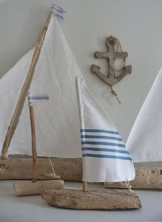 driftwood sailboat rustic nautical home decor DIY Seaside Decor, Beach House Decor, Coastal Decor, Coastal Style, Driftwood Projects, Driftwood Art, Home Design Diy, Deco Marine, Nautical Home