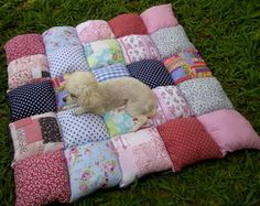 Cama para cachorro PÙFF - 80x80 cm Puppy Beds, Pet Beds, Diy Dog Bed, Dog Clothes Patterns, Dog Crafts, Animal Projects, Girl And Dog, Dog Sweaters, Cool Pets