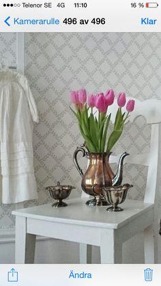 Tapet!!! Vase, Home Decor, Decoration Home, Room Decor, Vases, Home Interior Design, Home Decoration, Interior Design, Jars