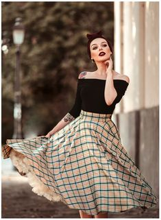 Swinging into the new season with style & confidence our precious wearing our Tan tartan 'Bonny Skirt' & massive thanks to… Vintage Outfits, 50s Outfits, Cute Outfits, Vintage Fashion 1950s, Vintage Mode, Retro Vintage, Fast Fashion, Look Fashion, Lolita Fashion