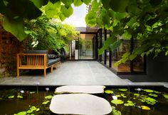 Landscaping by Eckersley Garden Architecture. Seat and cushion from Eco Outdoor. Modern Courtyard, Internal Courtyard, Courtyard House, Outdoor Rooms, Outdoor Living, Outdoor Decor, Landscape Design, Garden Design, Cottage Renovation