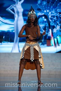 MIss Universe National Costumes 2012 MIss Botswana Miss Universe Costumes, Miss Universe National Costume, Pageant Tips, Beauty Pageant, Miss Universe 2012, Planet Hollywood, African Wear, Beauty Queens, Glamour
