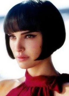 Natalie Portman in a short, retro-inspired bob