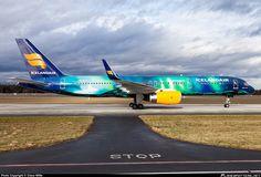 "Icelandicair TF-FIU B757 ""Aurora Borealis"""