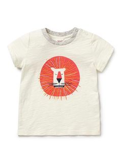 100% Cotton short sleeve tee featuring front lion print. Snap fastenings on shoulder for easy dressing.