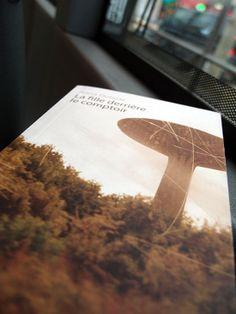 """""""La fille derrière le comptoir"""" de Anna Dubosc / Editions Rue des promenades -  dans le bus à la porte d'Orléans, janvier 2014"""