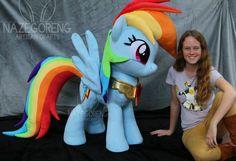Equestria Daily: Epic Lifesize Rainbow Dash Plushie