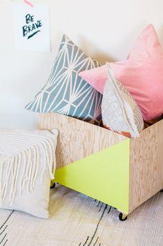 DIY - Wood storage bin by theproperblog.com