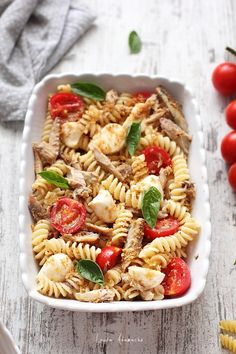 Fusilli, Mozzarella, Pasta Salad, Ethnic Recipes, Food, Salads, Crab Pasta Salad, Essen, Meals