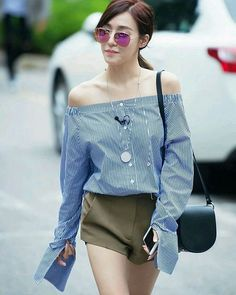 Tiffany Hwang Girls Generation SNSD Fashion pretty on the point Snsd Fashion, Fashion Idol, Uk Fashion, Fashion Books, Girl Fashion, Fashion Outfits, Tiffany Girls, Snsd Tiffany, Tiffany Hwang