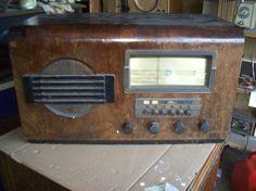 Vintage Wards Airline Radio Model 62-370