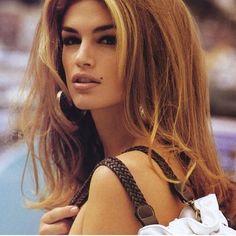 """Oh Cindy  #cindycrawford #fashionblogger #menstyle #mensstyle #instahappy #intamood #instaliie #fashion #menswear #model #sexy #model #amazing #perfect"""