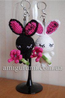 Little Rabbit Keychain Amigurumi ~ Free Russian Pattern – Amigurumi Free Pattern İdeas. Amigurumi Toys, Softies, Amigurumi Minta, Crochet Keychain, Rabbit Toys, Doll Toys, Free Pattern, Bunny, Crochet Hats