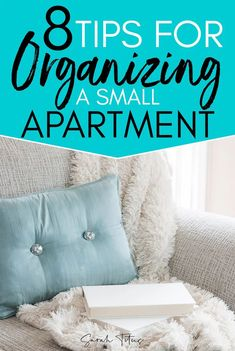 8 clever ways to organize small spaces like your small apartment. These organizing hacks for small spaces will help you maximize storage space in your small apartment. Small Apartment Closet, Small Apartment Hacks, Small Apartment Organization, Organizing Hacks, Clothing Organization, Organizing Small Apartments, Apartment Living, Clothing Racks, Hacks Diy