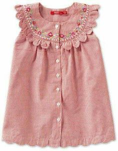 would love this in my size, such sweet scallops and stitching Frocks For Girls, Little Dresses, Little Girl Dresses, Baby Dress Design, Baby Girl Dress Patterns, Baby Frocks Designs, Kids Frocks Design, Little Girl Fashion, Kids Fashion