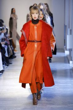 See all the Collection photos from Agnona Autumn/Winter 2018 Ready-To-Wear now on British Vogue Fall Winter, Autumn, Knitting Designs, Milan, Ready To Wear, Rain Jacket, Vogue, Fashion Show, Windbreaker